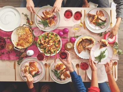 christmas-dinner-749x562